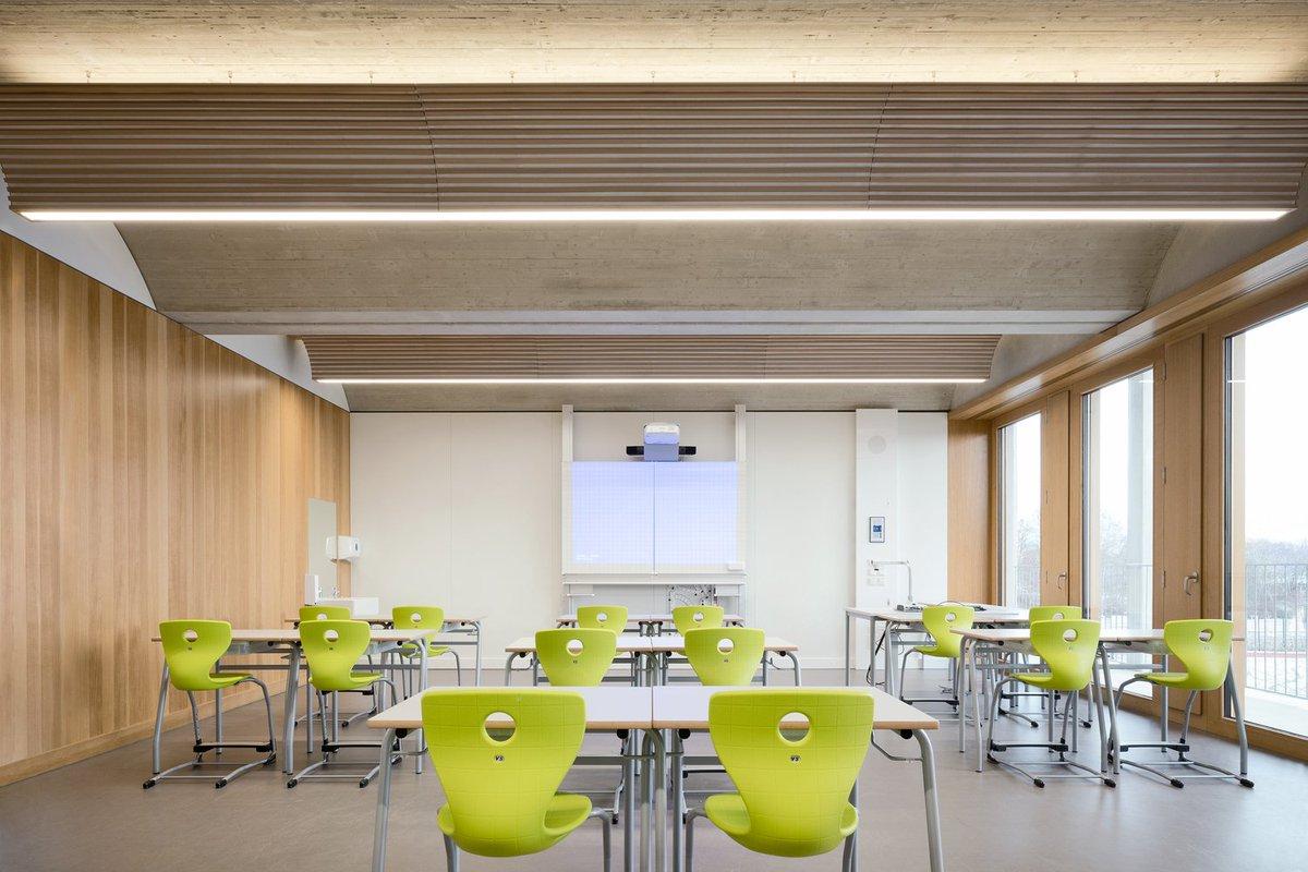 test Twitter Media - #kindcentrum #gebouwvoorkinderen #referentie #inspiratie: verschillende #materialen met een duidelijke vormentaal en een goed #lichtplan creëren een divers en toch samenhangend interieur door de verschillende ruimten.   https://t.co/RHYHn510lm https://t.co/BzdkfAOYH4