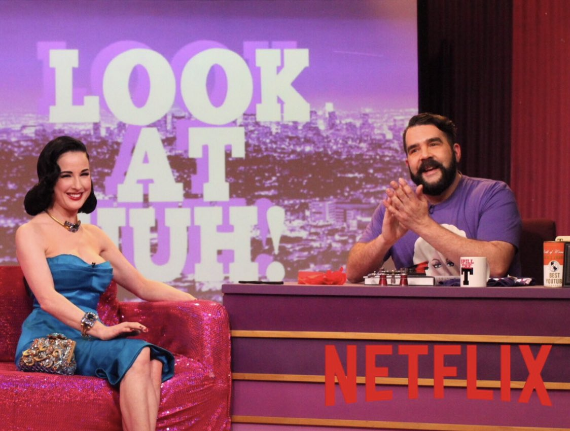 Spread the news, @heyqweentv is making its debut on @netflix today!! Congrats to @GayPimp and his team https://t.co/L42C5ZY0Hu