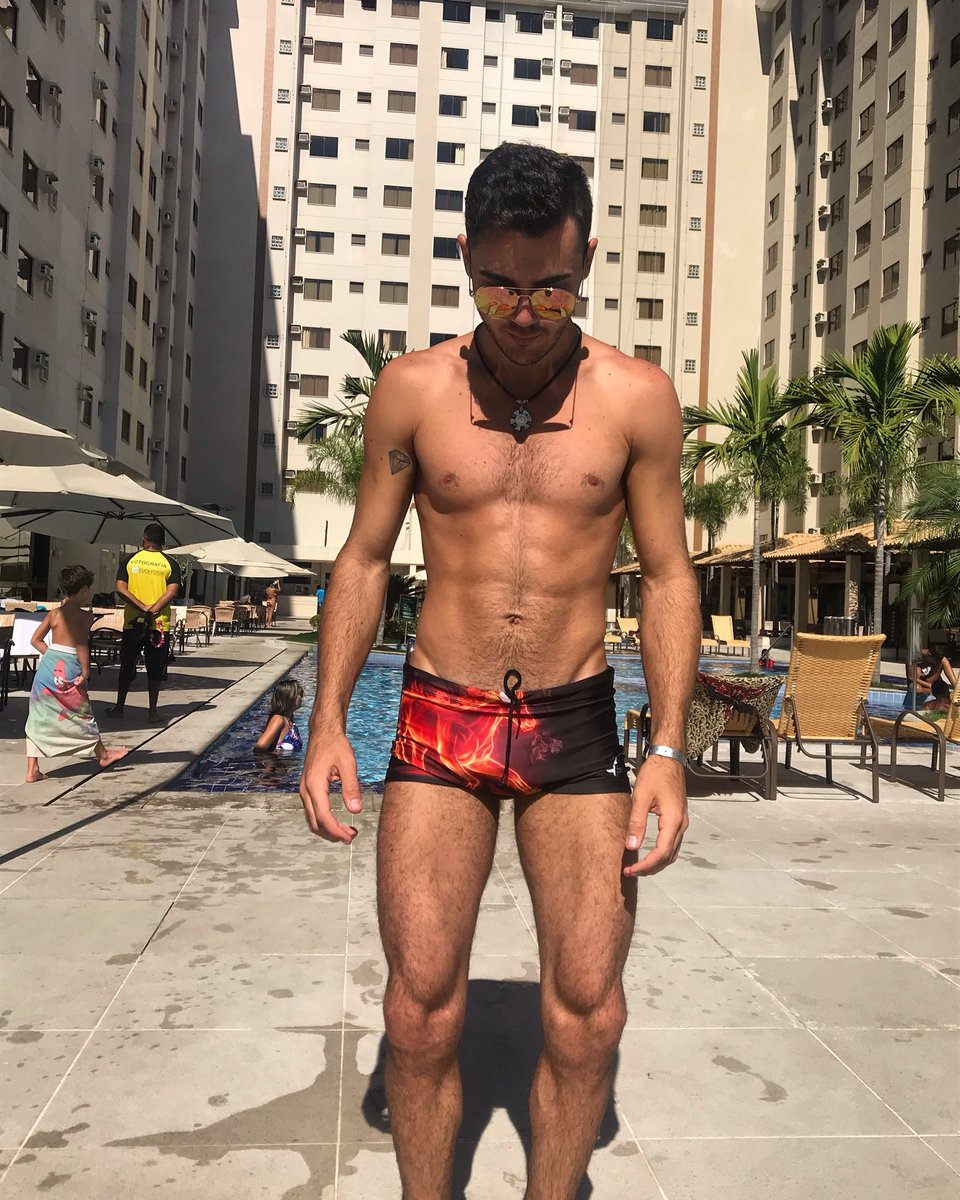 RT @ThassioOliveira: Eu de Goiânia foto sensual que vcs pediram rs  #VideoShowAoVivo #VideoShow https://t.co/auxgPW0dGy