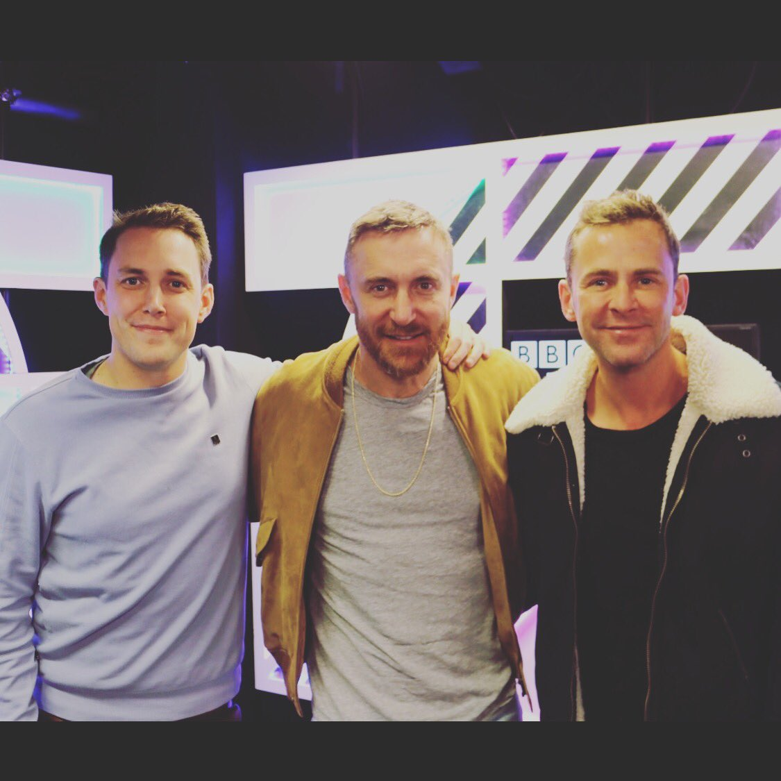 RT @scott_mills: We ♥️@davidguetta @BBCR1 https://t.co/m9ZHJLxRQe