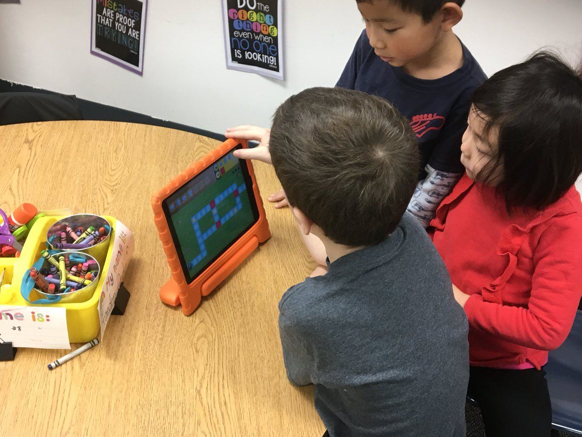 test Twitter Media - #12DaysOfD30 Day 10: It's so much fun to see students loving to learn how to code for the first time! #d30learns @willowbrookKH https://t.co/3U3NoZadxM