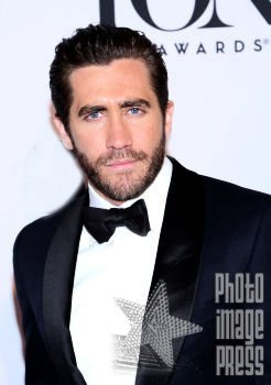 Happy Birthday Wishes going out to Jake Gyllenhaal!