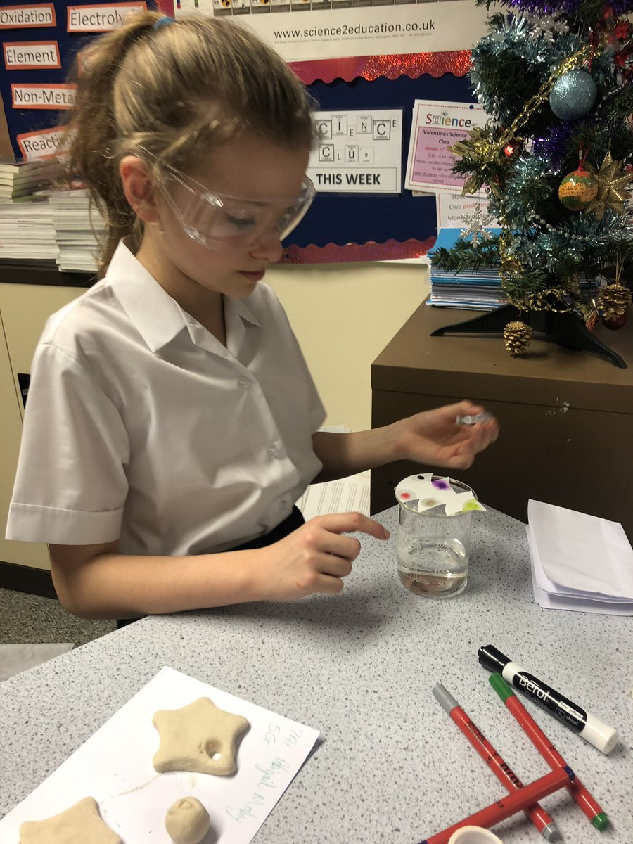test Twitter Media - Year 7 learners had a great time at science club making Christmas bath bombs and chromatography Christmas trees https://t.co/fqidQvf5SO