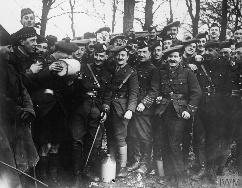 Happy New Year from the First World War Centenary Partnership.   Pictured: Some the 15th (Scottish) Division, Black Watch (Royal Highlanders) officers on New Year's Day in hutments at Henencourt, 1917. © IWM (Q 4641) https://t.co/cEgYy9KhiI