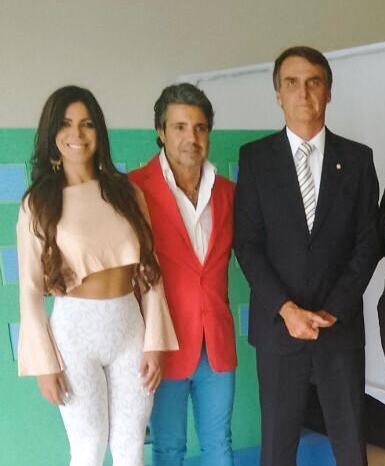 Boa sorte ???? ao novo presidente do Brasil ???????? @jairbolsonaro  #possepresidencial #brazilianpresident https://t.co/HMfcJ45TCO