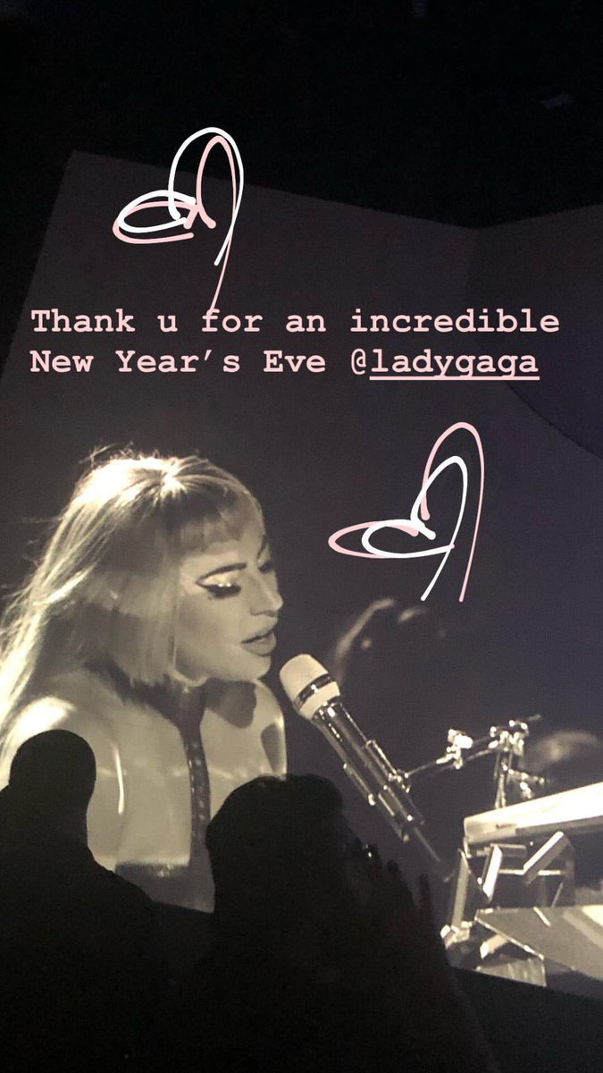Totally magical NYE Thank u @ladygaga ✨✨ https://t.co/ld9VMrYHkr