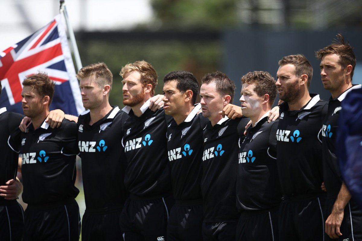 How do you like the new New Zealand ODI kit?   https://t.co/WXBhnZPiOH #NZvSL https://t.co/unsgPhER9F