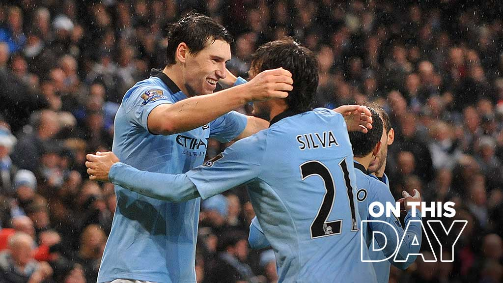 Happy 39th Birthday, Gareth Barry 🔵  #Throwback to his 93rd minute winner against Reading #MCFC