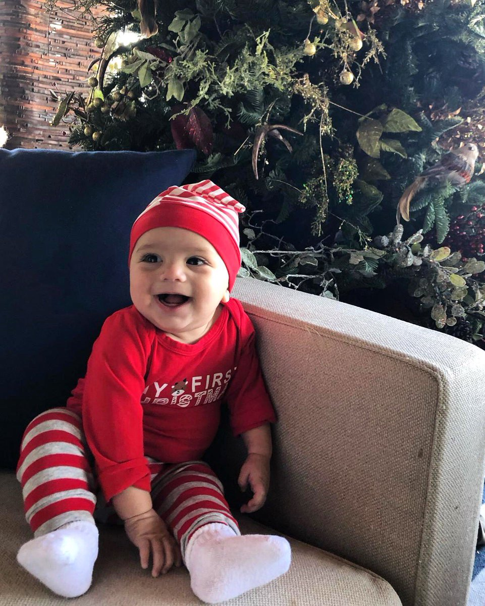 My First Christmas ????☃️???? #BabyBaston https://t.co/Ah95o3Rt2C