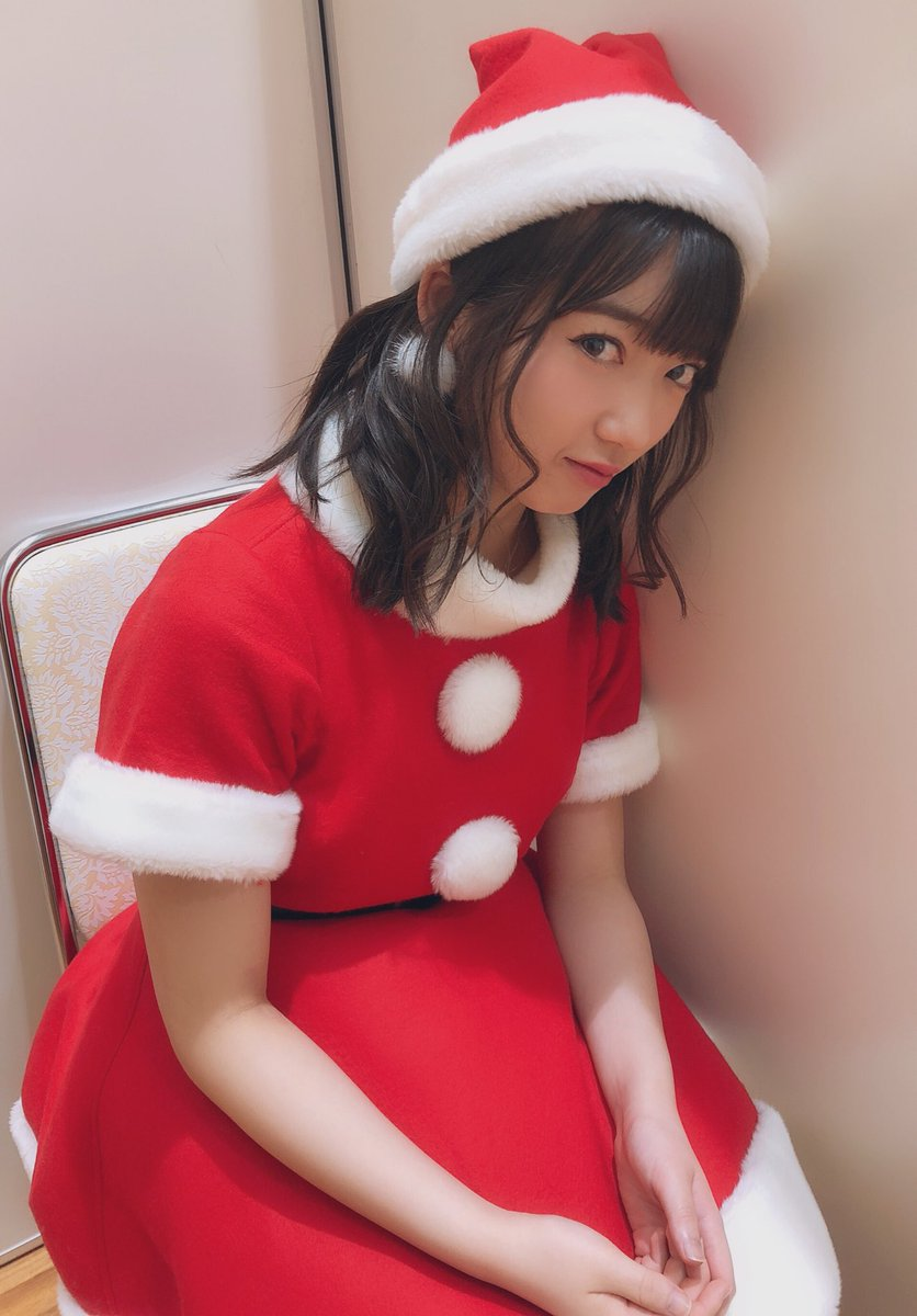 山岸理子サンタクロース『彼女の居ない寂しい人は理子サンタでしこしこしてね♥』