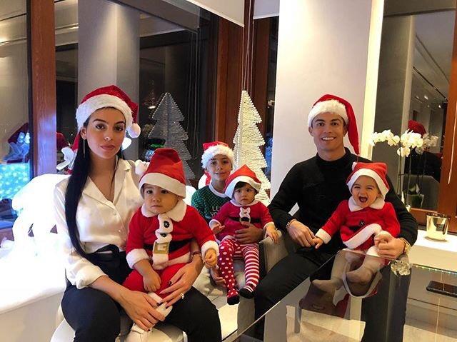 Feliz Natal! Merry Christmas!????????❤️ https://t.co/ebr7gFyr1S