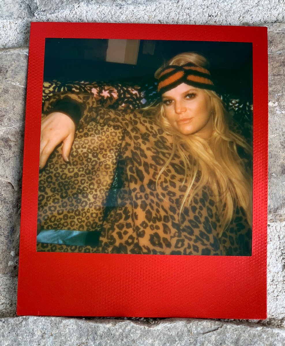 All leopard everything this Christmas ???? https://t.co/S2zrluOyaW