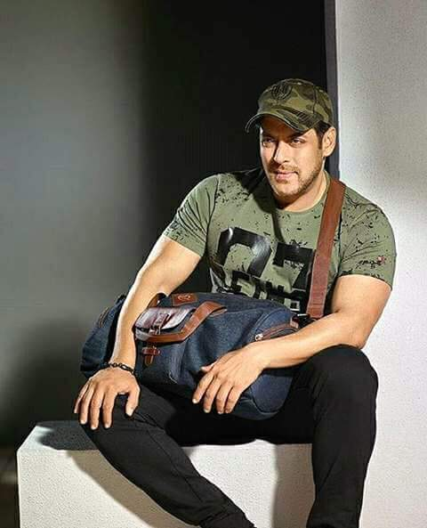 Wish you happy birthday in advance Salman Khan bhaijaan........