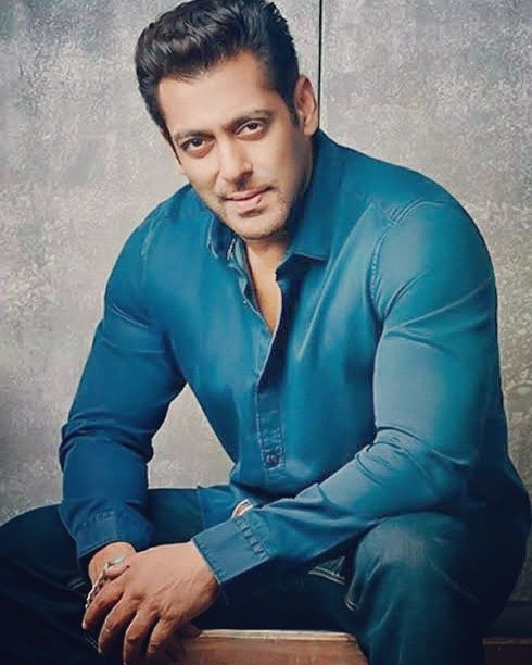 Very Happy Birthday To Handsome Hunk Mr. Salman Khan Bhaijaan. Love you So Much My Big Brother