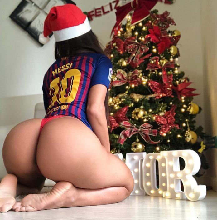 RT @depesoyuc: @SuzyCortez_ 'le desea Feliz Navidad' a #Messi con diminuta tanga  https://t.co/wl9BFhm9Qu https://t.co/22j9RT1FFp