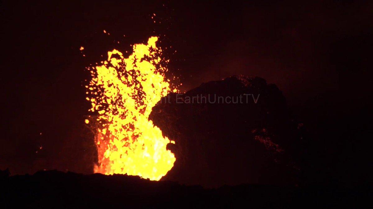 Mass Lava Flows And Eruptions At Leilani Estates Kilauea Fissure Eruption https://t.co/7Gfy7P79DC https://t.co/WX57MqK5ku