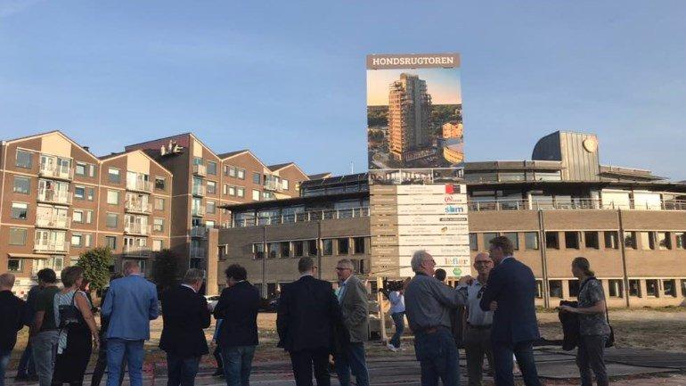 test Twitter Media - De bouw van de 65 meter hoge woontoren in Emmen begint uiterlijk begin volgende maand.  Dat laat projectontwikkelaar Peter van Dijk weten https://t.co/VzFYXwoUeg https://t.co/IWTSVaruLS