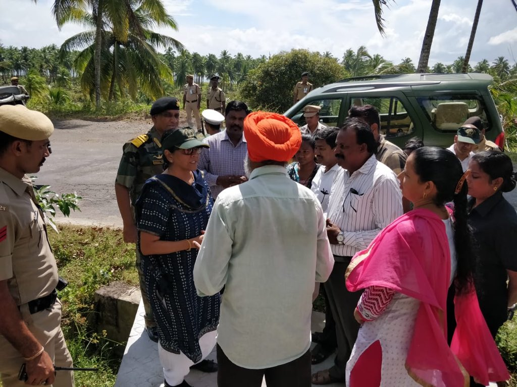 test Twitter Media - On #VeteransDay interacted with veterans and their families in Great Nicobar today. Many live in Joginder Nagar here. While living elsewhere closer to the beach, for some, their houses were destroyed in the tsunami. Now resettled. @DefenceMinIndia https://t.co/zJCtflXlZd