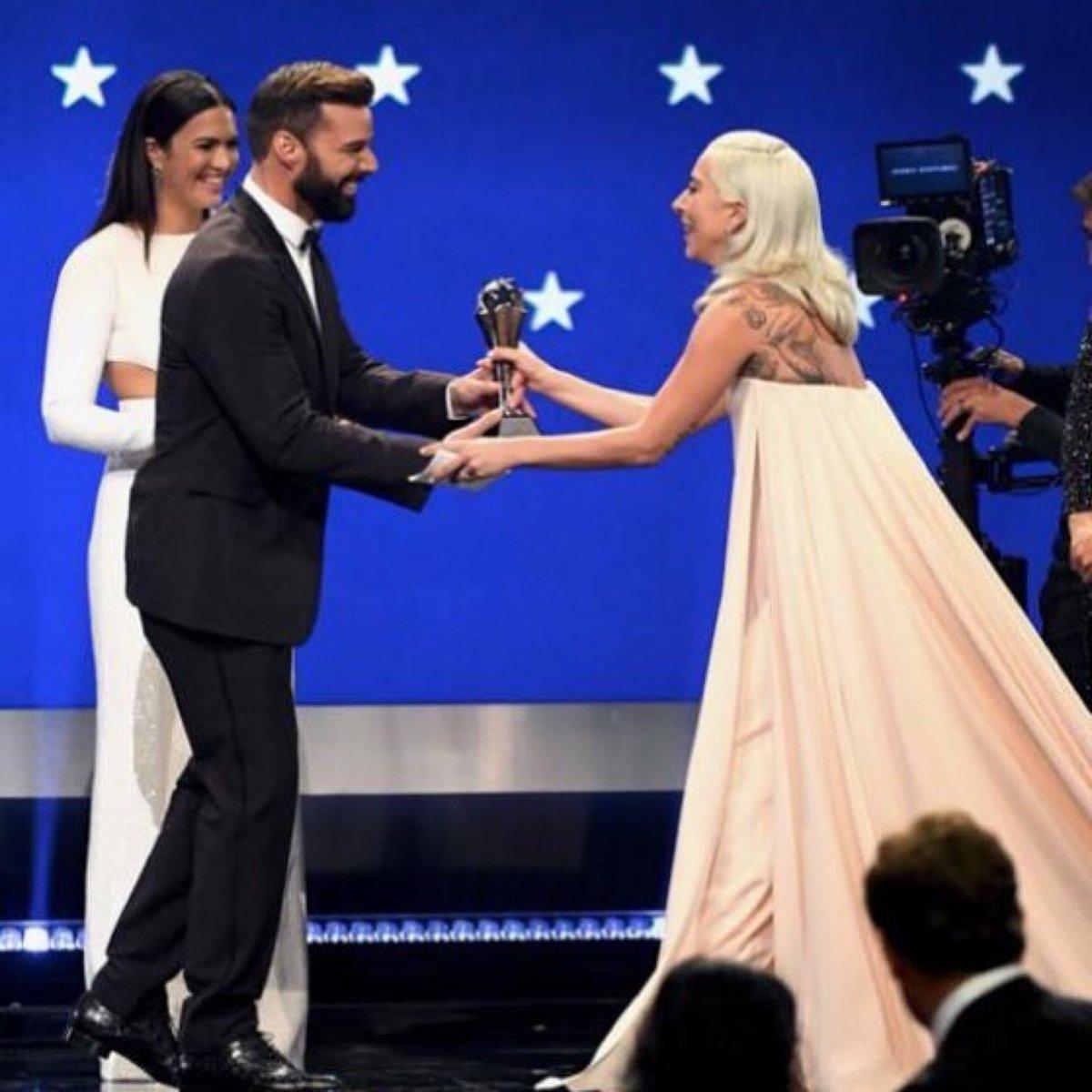 Well deserved @ladygaga. Such a stunning performance #BRAVA ???????????????????????? #AStarIsBorn #Shallow https://t.co/Z4PKf7LH0v