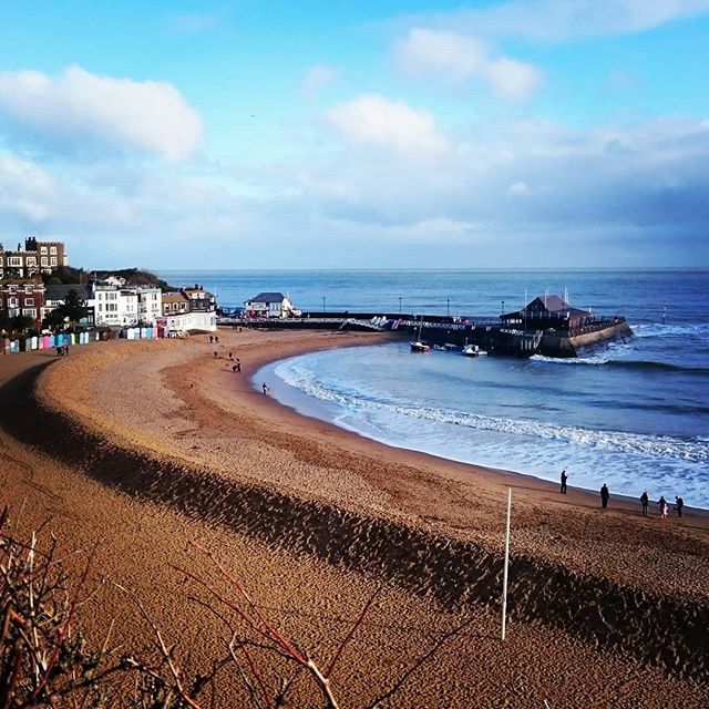 test Twitter Media - Broadstairs, yesterday, for a little stroll with my family. #seaside #beach #uk #seascape #kent #coastlines #bay #british #unspoilt #vikingbay #waves #breezy #newyear #walk https://t.co/E65CCZp8Va https://t.co/2rTucZxDYM