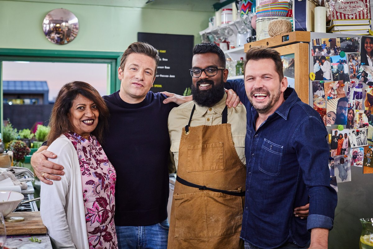 When your mum steals the limelight! ????  We loved having you both, @RomeshRanga. #FridayNightFeast https://t.co/ATdHjEk53R