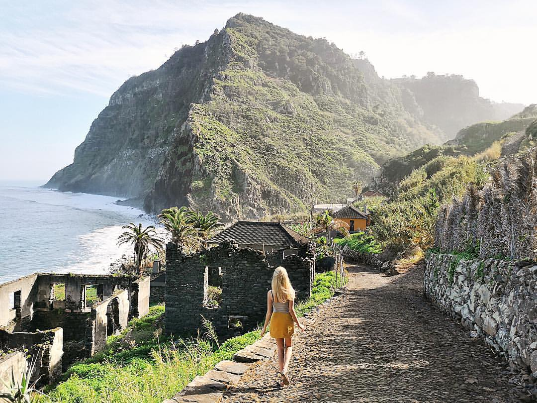 ✍️ 2019 chapter 1: Lost in Jurassic Park 🦖🦕😱 . . I honestly have never been anywhere with so much natural diversity at one place than @Madeira Photo #whereismella  #sharingmadeira #visitmadeira #madeira #madeiraful #madeira600 #madeira600anos https://t.co/W4LuSx4zwo