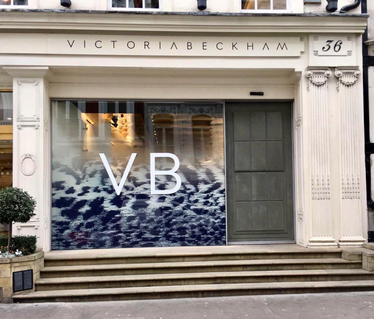 Love the new window at #VBDoverSt! Discover new prints and accessories at 36 Dover Street London. x Kisses VB https://t.co/POwyXbtO30