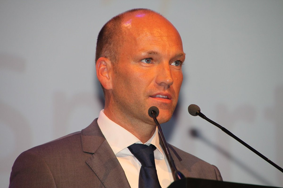 test Twitter Media - RT @VanRoey_pro: Michaël Schouwaerts voortaan algemeen directeur @Sportoase. Proficiat! https://t.co/nMoCgQqW4M https://t.co/ZQRXFh0fqI