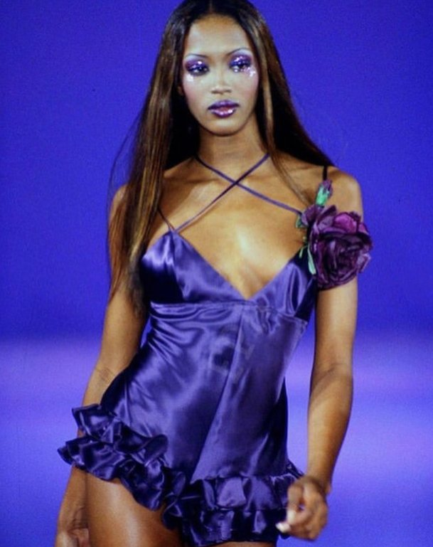 RT @annasui: In signature Sui, @NaomiCampbell wears Spring/Summer '93. https://t.co/LHizmZTB1a