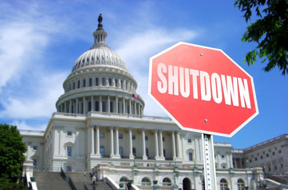 test Twitter Media - 4 shutdown tips for student loan borrowers: https://t.co/UFHU48RbL6 https://t.co/lIvvqv7Tmz