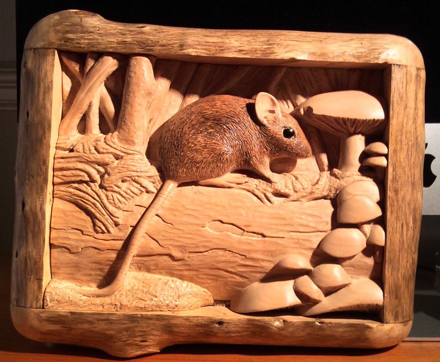 The wood mouse carved in Lime & framed in juniper https://t.co/XrjjDZ3My1