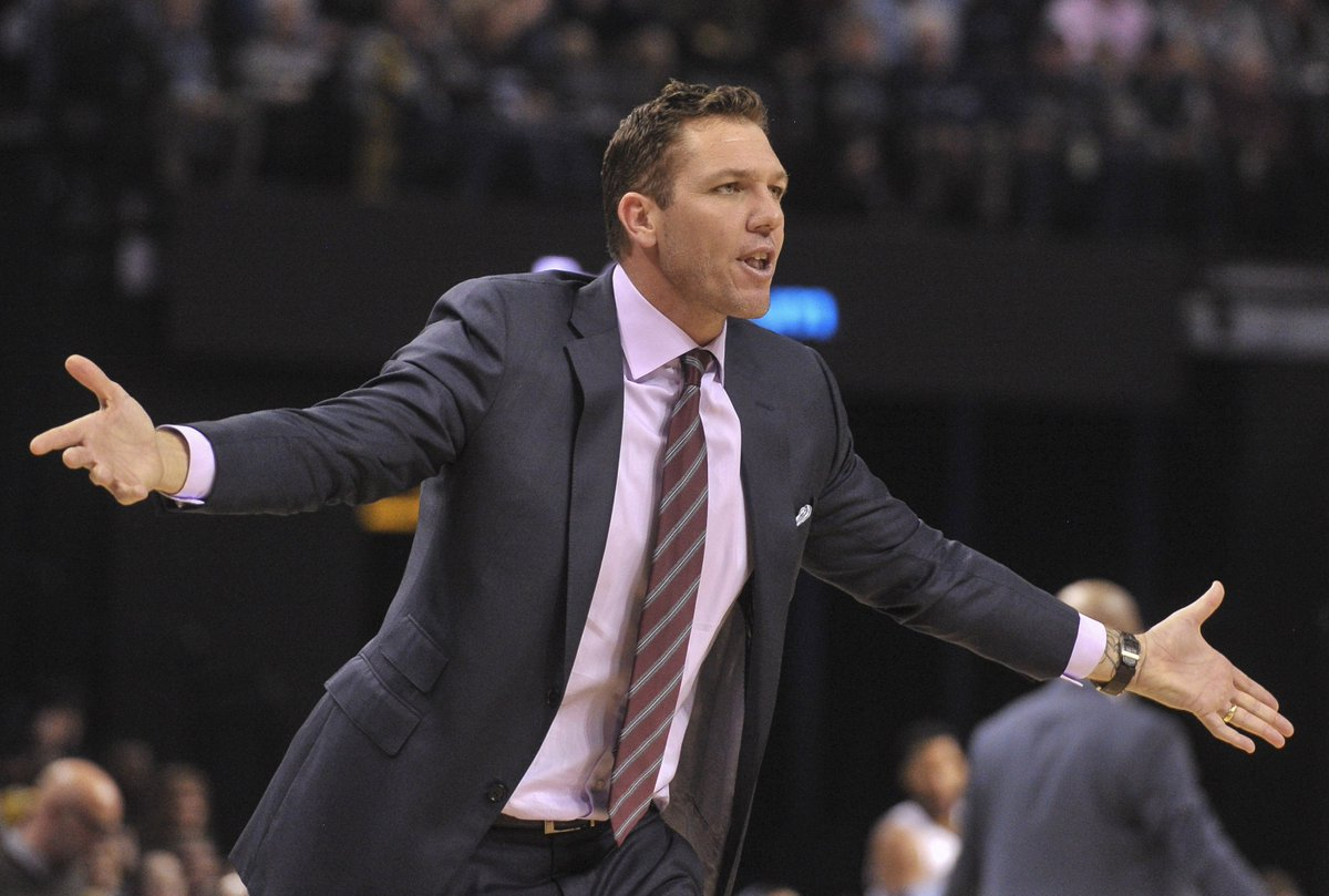 test Twitter Media - Luke Walton reportedly in no 'imminent danger' of being fired #LakeShow https://t.co/Jm3xtkSDvT https://t.co/69gwBdUD4A