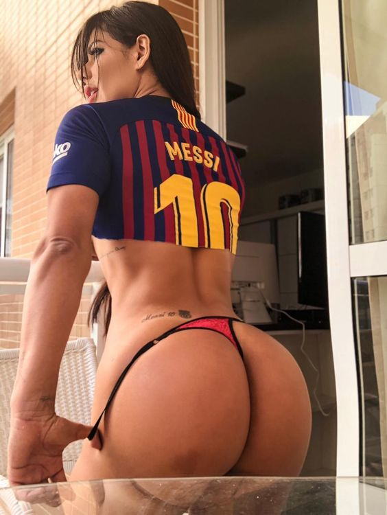 RT @tittytwisterxyz: Suzy Cortez Tattoo Messi 10 in her Ass #ass #messi #barcelona @tittytwisterxyz https://t.co/rPsdRWjg3s
