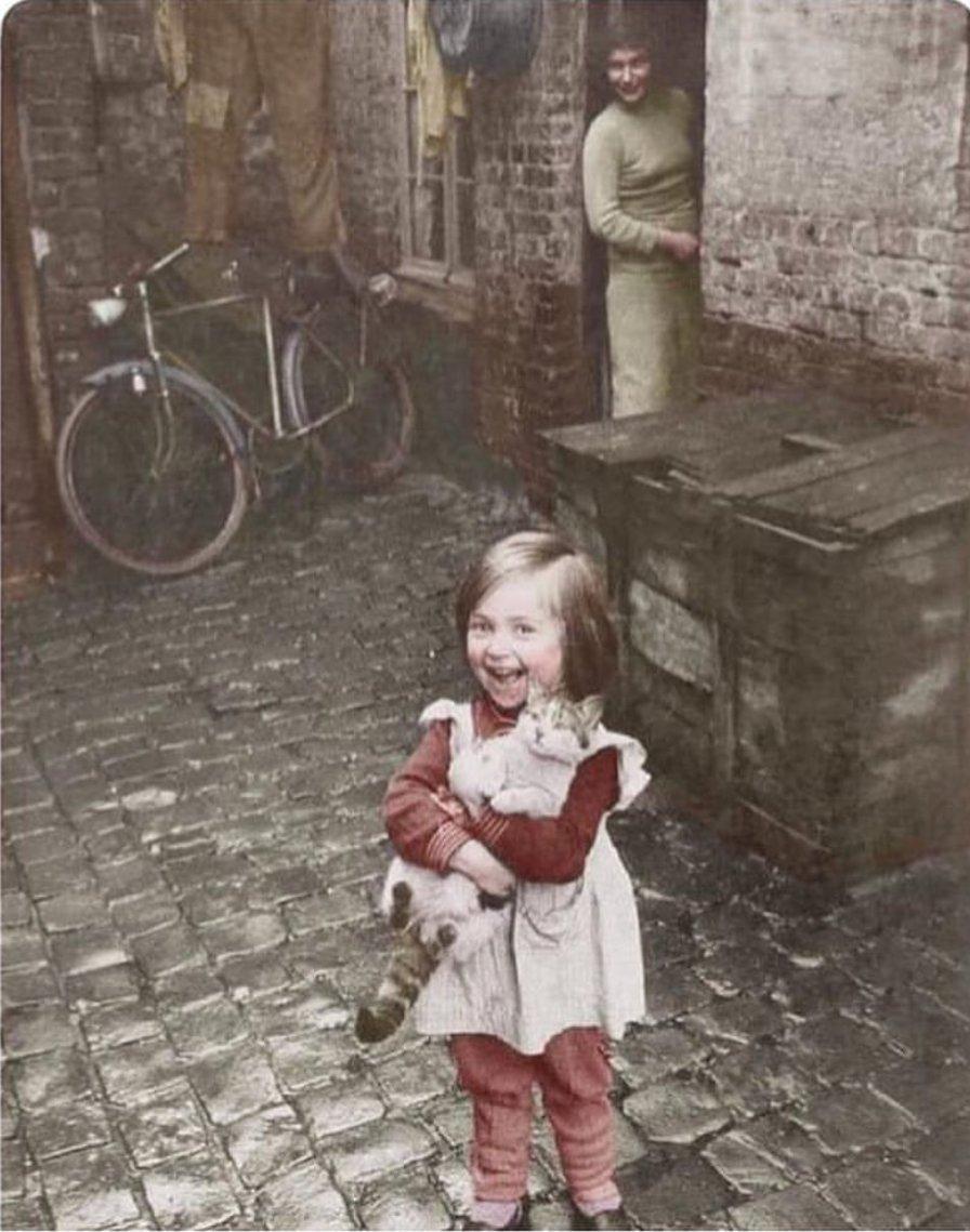 1959'da çekilmiş bir fotoğraf.. Her detayına bayıldım. https://t.co/8yJJlvRpWZ