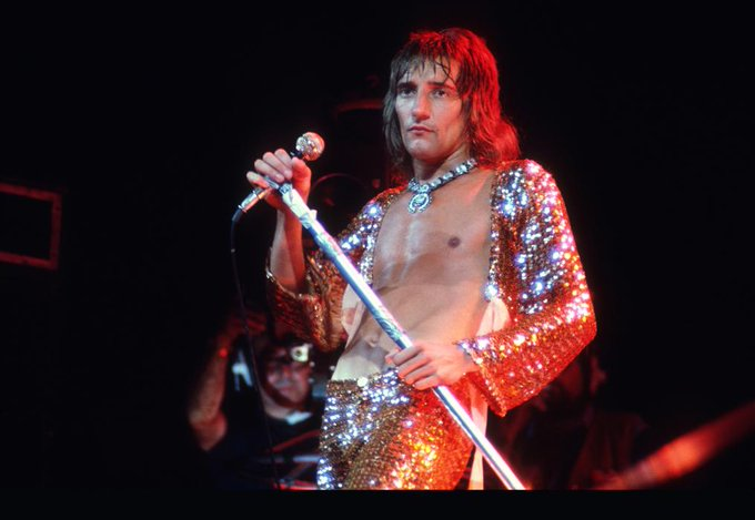 Happy 74th birthday to the legendary Rod Stewart.