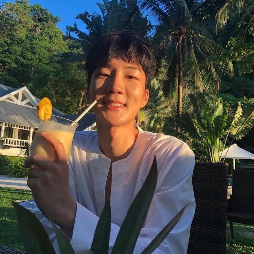 RT @rainappeungzb: No Seunghoon No Life #HappyHoonyDay https://t.co/E58FlS5Fit