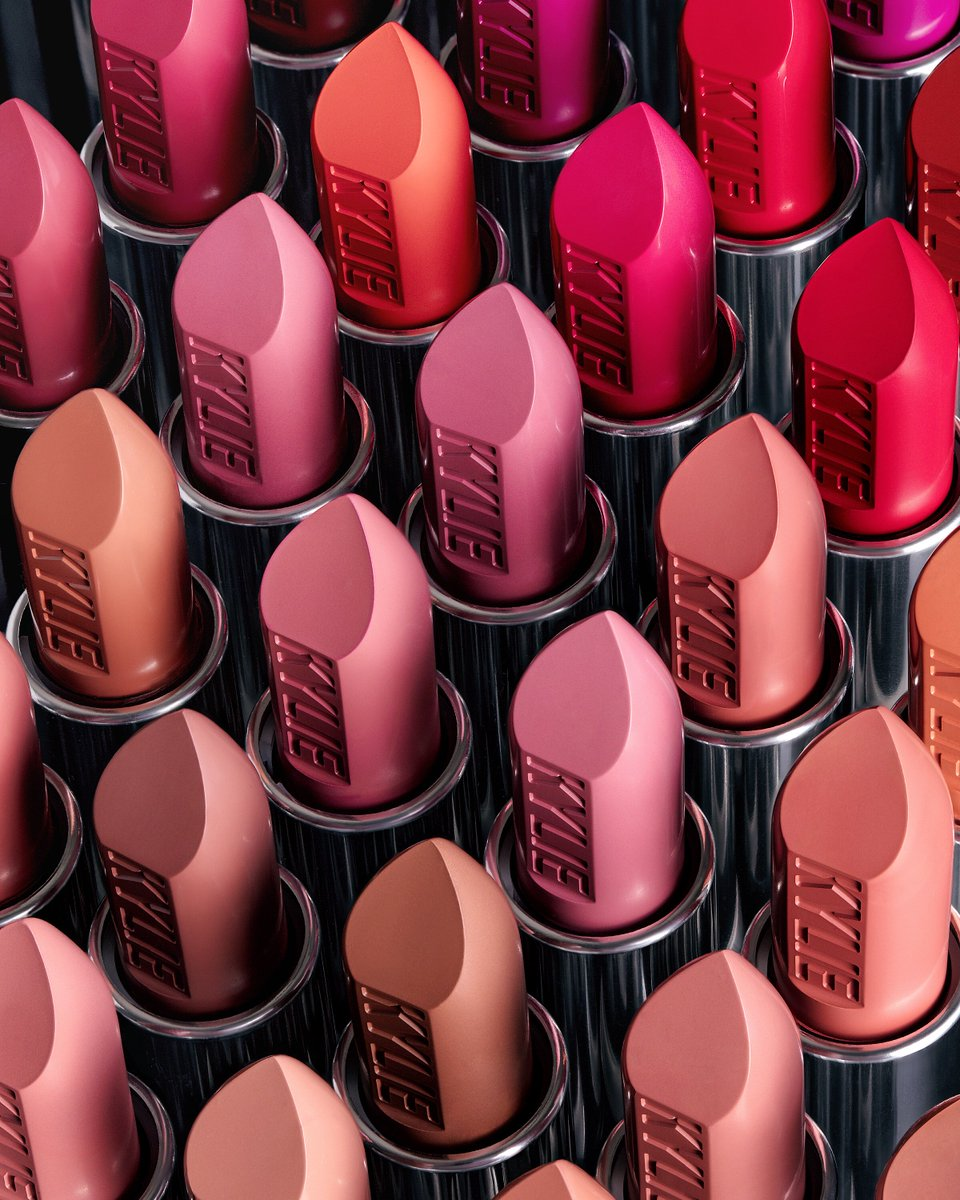 2 for $24 on all my creme and matte traditional lipsticks starts now!! https://t.co/bDaiohhXCV https://t.co/9CIUW7zgjF