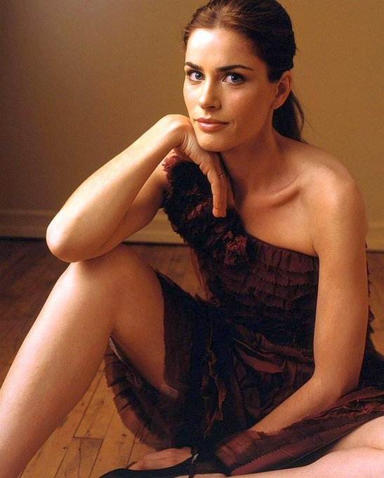 Happy Birthday to Amanda Peet who turns 47 today!