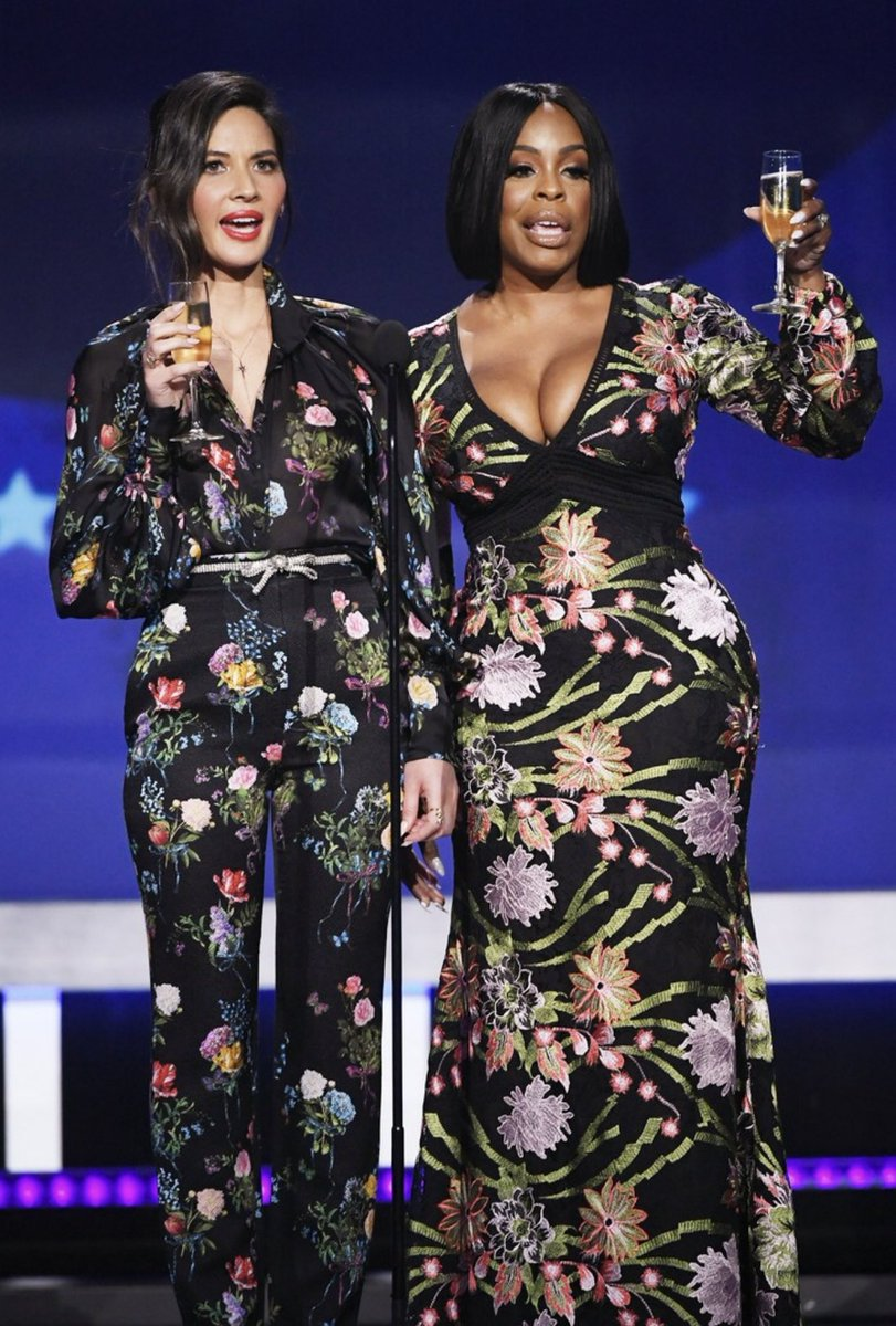 #fbf to @niecynash1 + I giving a little toast to the good guys at the @CriticsChoice Awards last year.???? ???????????? https://t.co/tCn4Ibilb5
