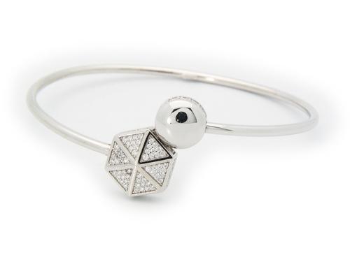Sparkling Cz Hexagon Cuff Bangle in Sterling USD 227.95 https://t.co/7ZyNyWA2lN https://t.co/doFA3rP3ap