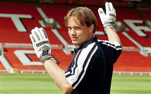 Happy 47th Birthday to former goalkeeper Mark Bosnich.