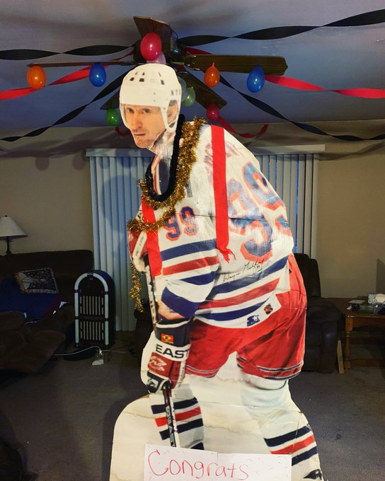 Happy birthday Wayne Gretzky! From out life-size Great One to the real Great One!
