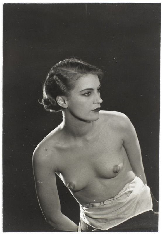Man Ray - Elizabeth Lee Miller, circa 1932 https://t.co/hgQjX6hAP3