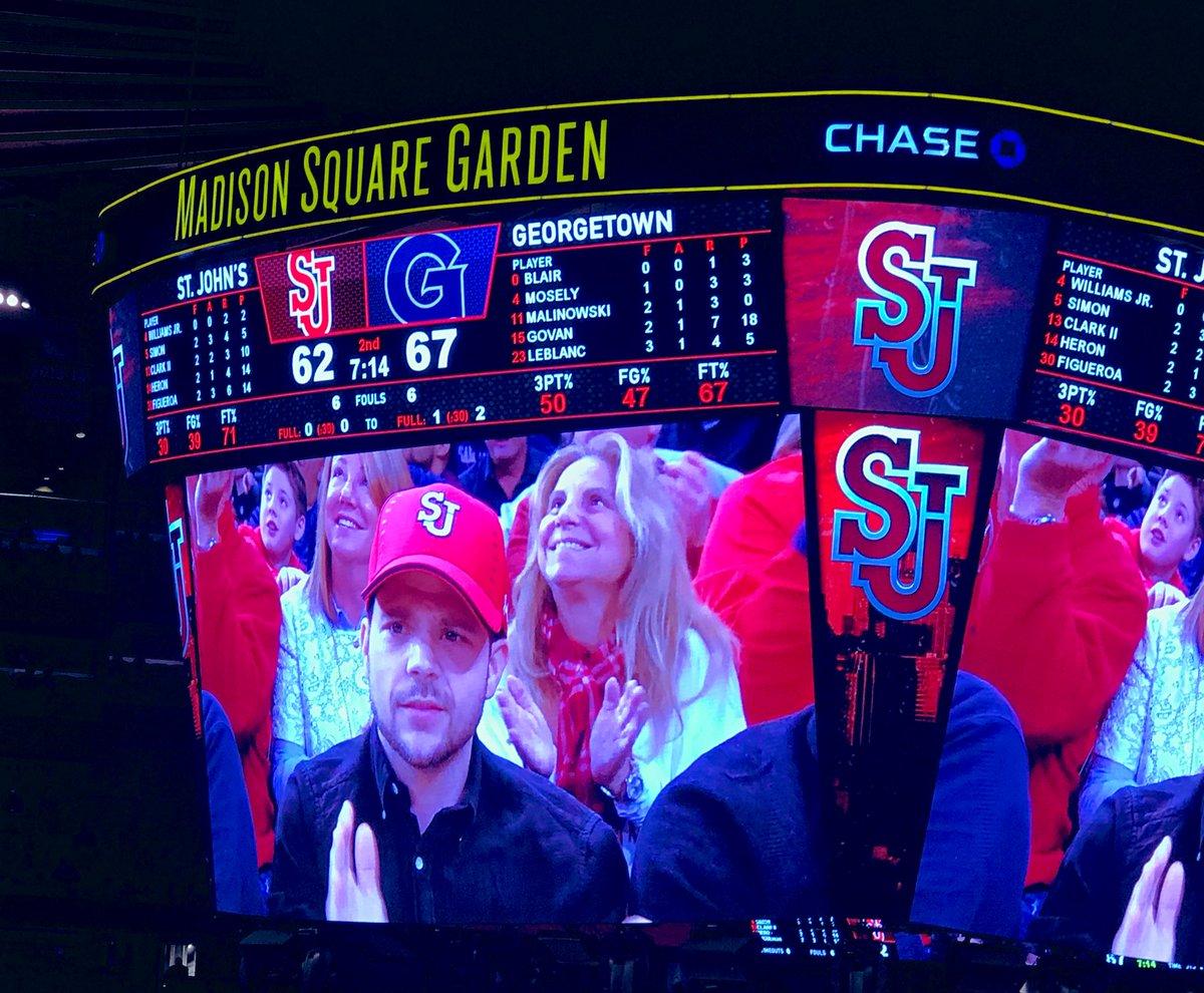 RT @stjohnsalumni: Celebrity sighting in the house! Actor @jerryferrara made an appearance @TheGarden. #SJUBB https://t.co/LF9cLwznet