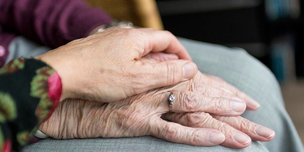 test Twitter Media - De los casi nueve millones de personas de más de 65 años que hay en España, más de dos millones viven solas, y de ellas el 73% son mujeres, advierten desde la Sociedad Española de Geriatría y Gerontología @seggeriatria https://t.co/3csbsxTXf4 #PersonasMayores #AESTEinforma https://t.co/gpbflCvMR2