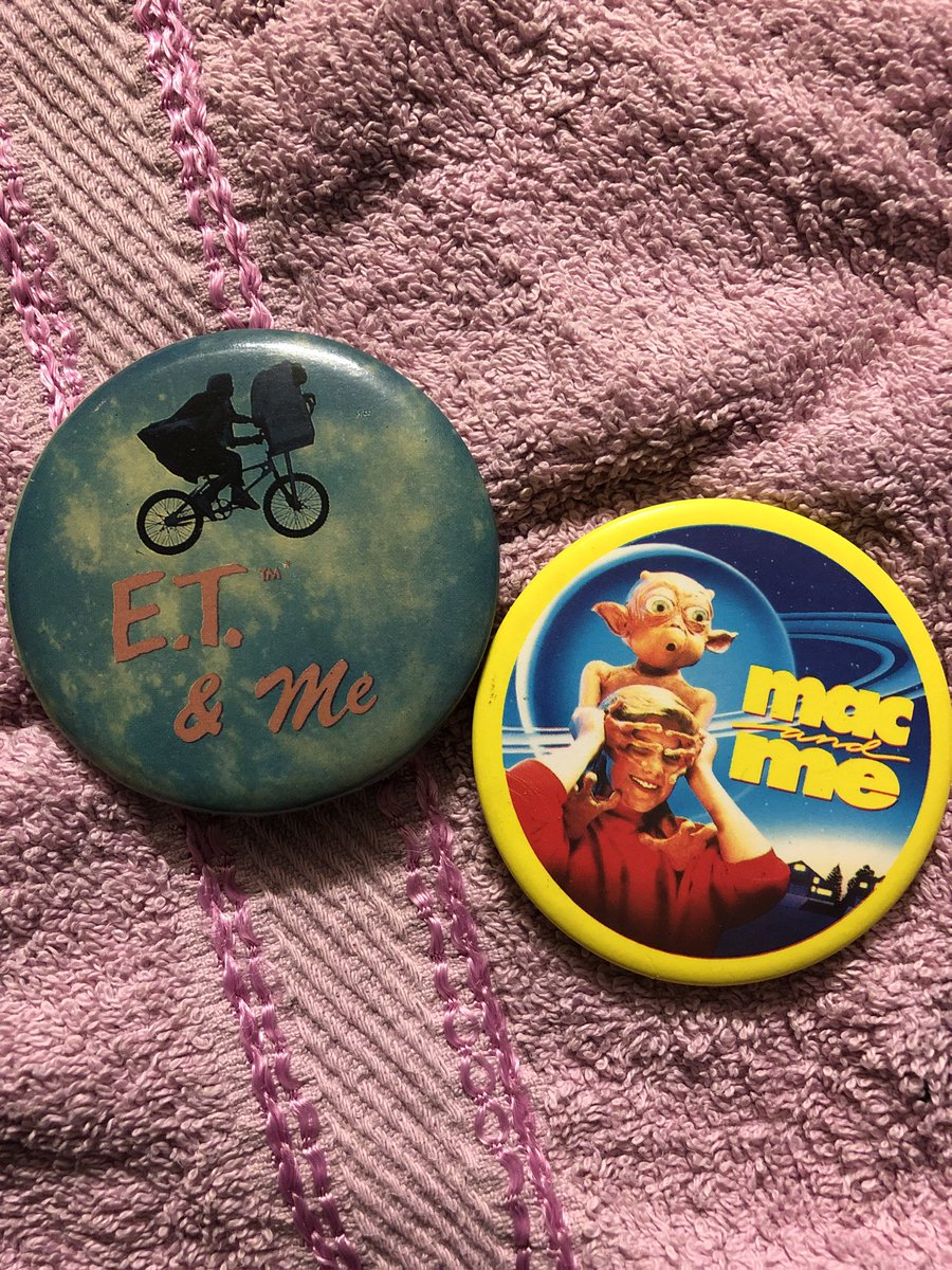 test Twitter Media - Found my old pin badges from seeing stuff in cinemas in the 80s.. 😂 ET was slightly too early for me so that will have been my bro's.. I do remember going to see Mac and Me though. Ffs. Funny how many badges I have, it's like everyone gave you them. #80s #retro https://t.co/ydyrQRpv7G