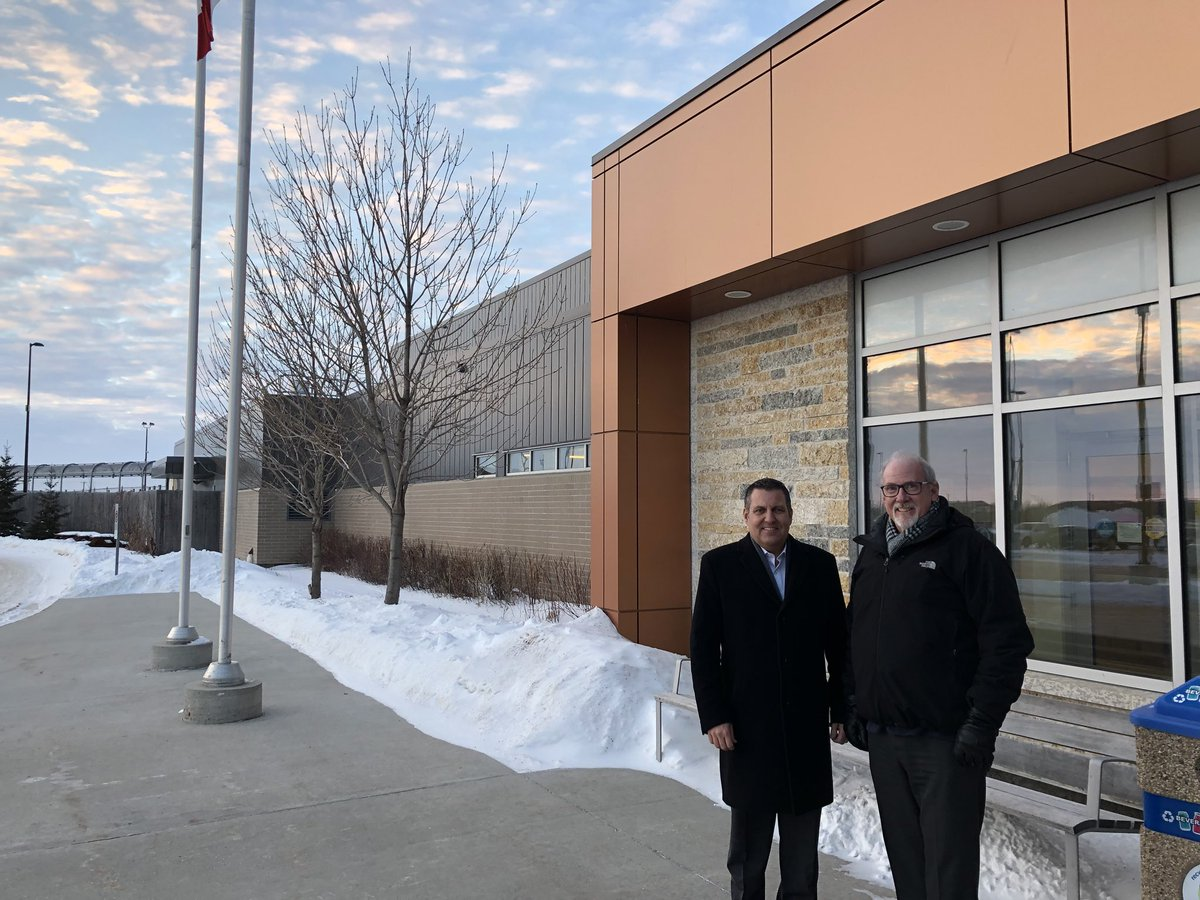 test Twitter Media - Proud to visit Manitoba Youth Centre, Headingley Correctional Centre, and Women's Correctional Centre today. Our juvenile counsellors and correctional officers do incredible work caring for inmates and keeping our facilities safe. Thank you for taking the time to meet! #mbpoli https://t.co/vBwyUvZDm1