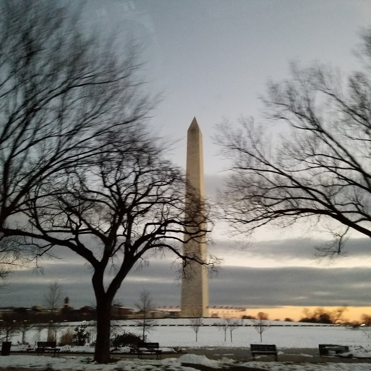 The peace of the Monument, on my way to an interview in Washington DC. Winter scenery https://t.co/RPYmQ8kYnM