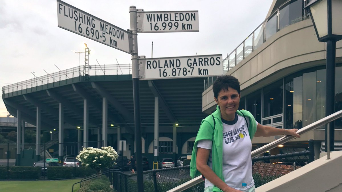 .@ilanakloss is on the grass @KooyongLTC, but she's missing her doubles partner. 😉 #AusOpen https://t.co/MpZe9y13kw