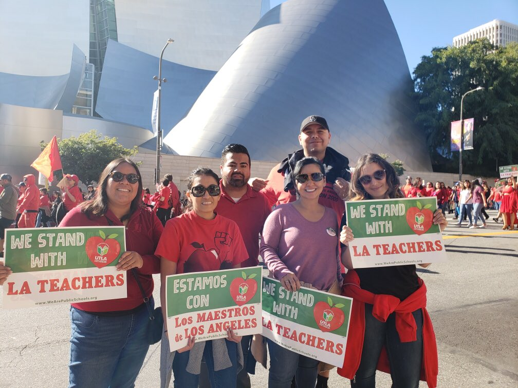 My sister Jennifer is a teacher on strike and this is why #iStandWithLAteachers  https://t.co/U222WIBcCP https://t.co/m7iQSXrjsy